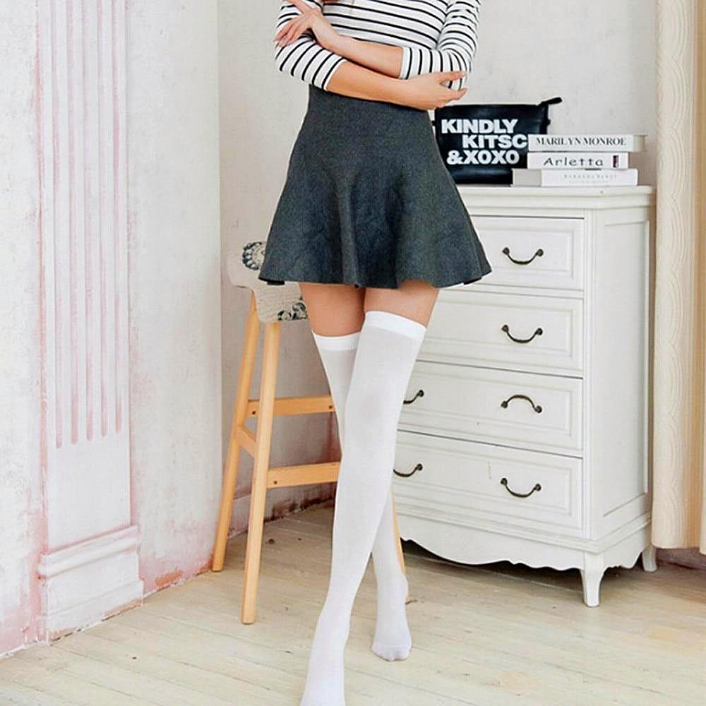 Women Solid Color Over Knee Socks = 1mrk.com